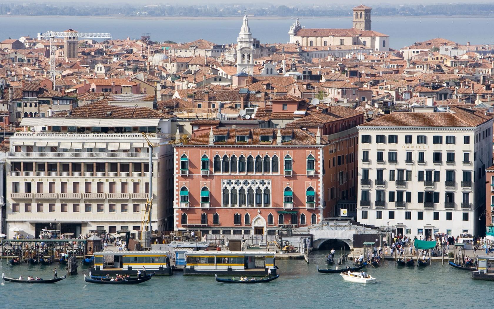 Benátky_008-1680x1050