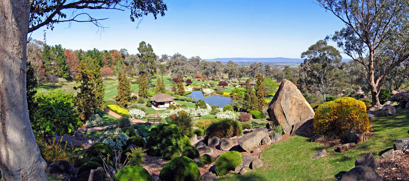 symbolic-mountain-lookout-at-the-japanese-gardens-cowra-nsw-australia