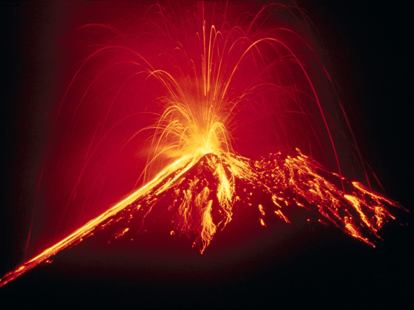 Hot-Lava_Arenal-Volcano_Costa_Rica
