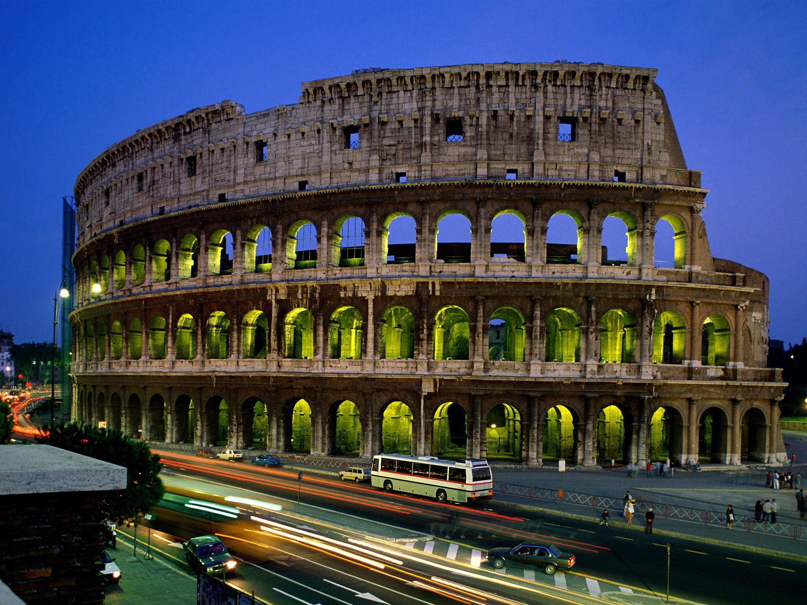 Wonders-of-the-world-Coliseum-wallpaper-Rome-Italy