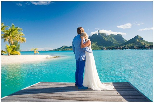 bora-bora-honeymoon-shoot-helene-havard-001