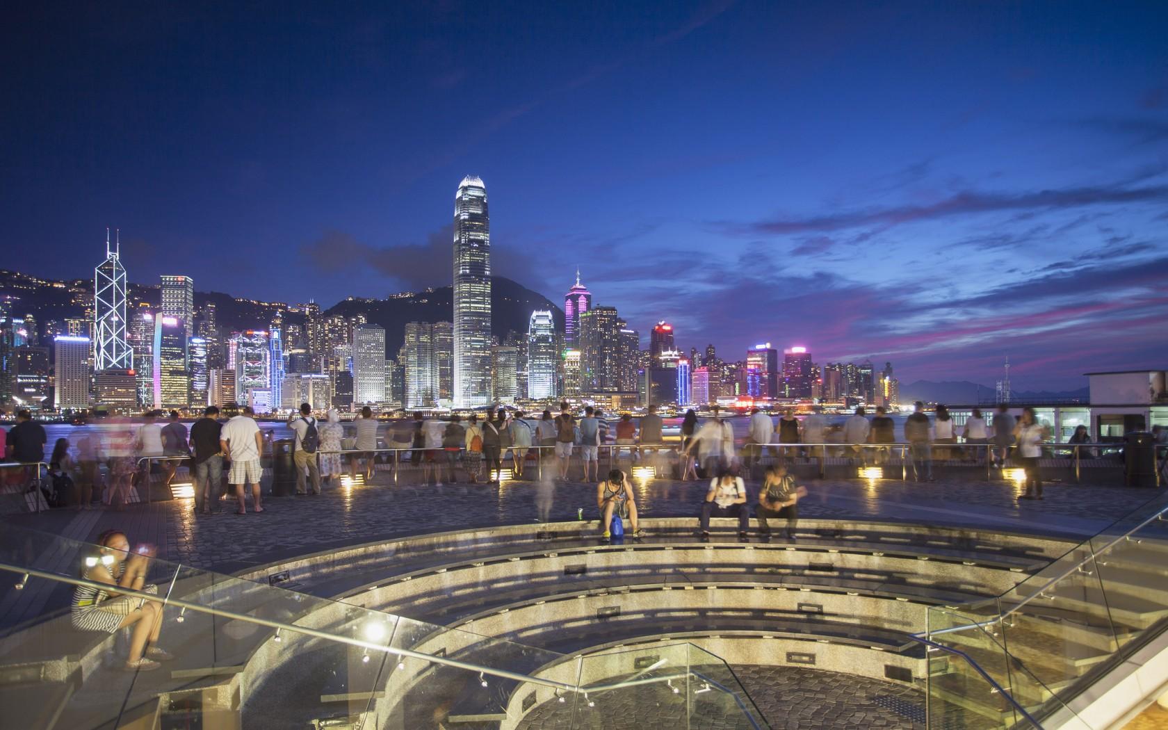 14.-Edited-Hong-Kong-AWL_CH10306AW-1680x1050