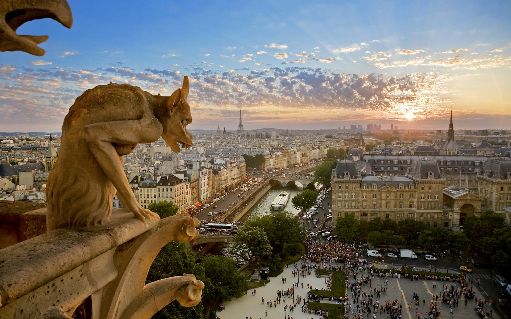 5.-Edited-Paris-AWL_HMS250120-1680x1050