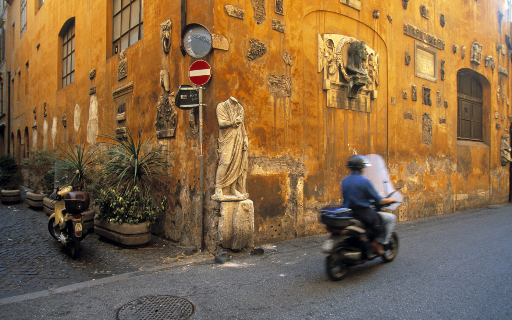 6.-Edited-Rome-AWL_IT01272-1680x1050