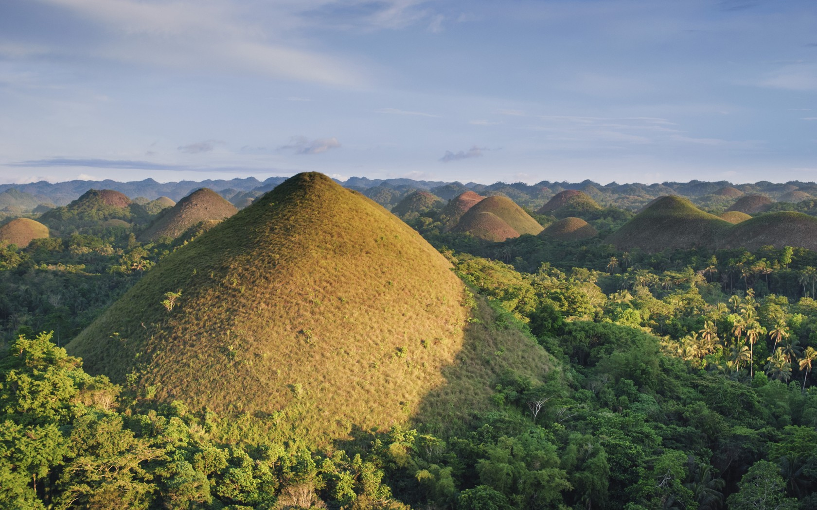 Edited-13.Chocolate-Hills-IndonesiaAWL_PH02170-1680x1050