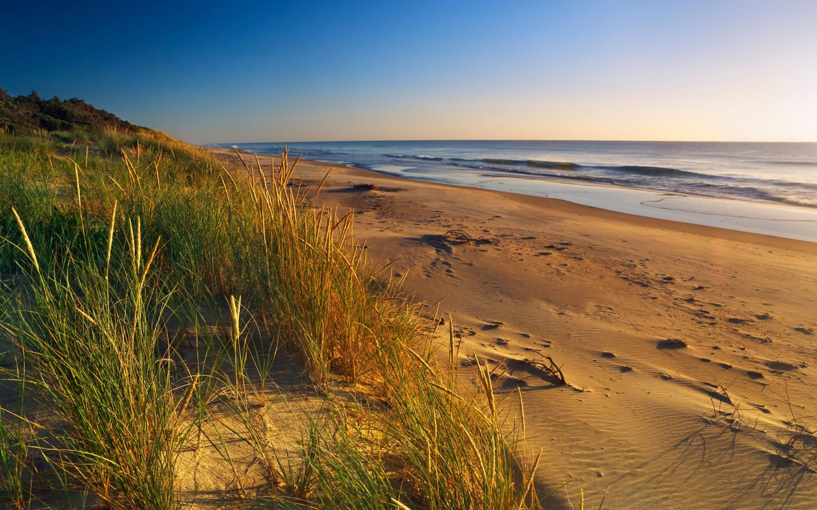 Edited-17.90-Miles-Beach-Australia-B51PMW-1680x1050