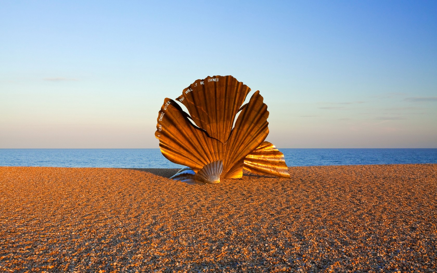 Overs-1.The-Scallop-at-AldeburghBJ6KBH-1680x1050