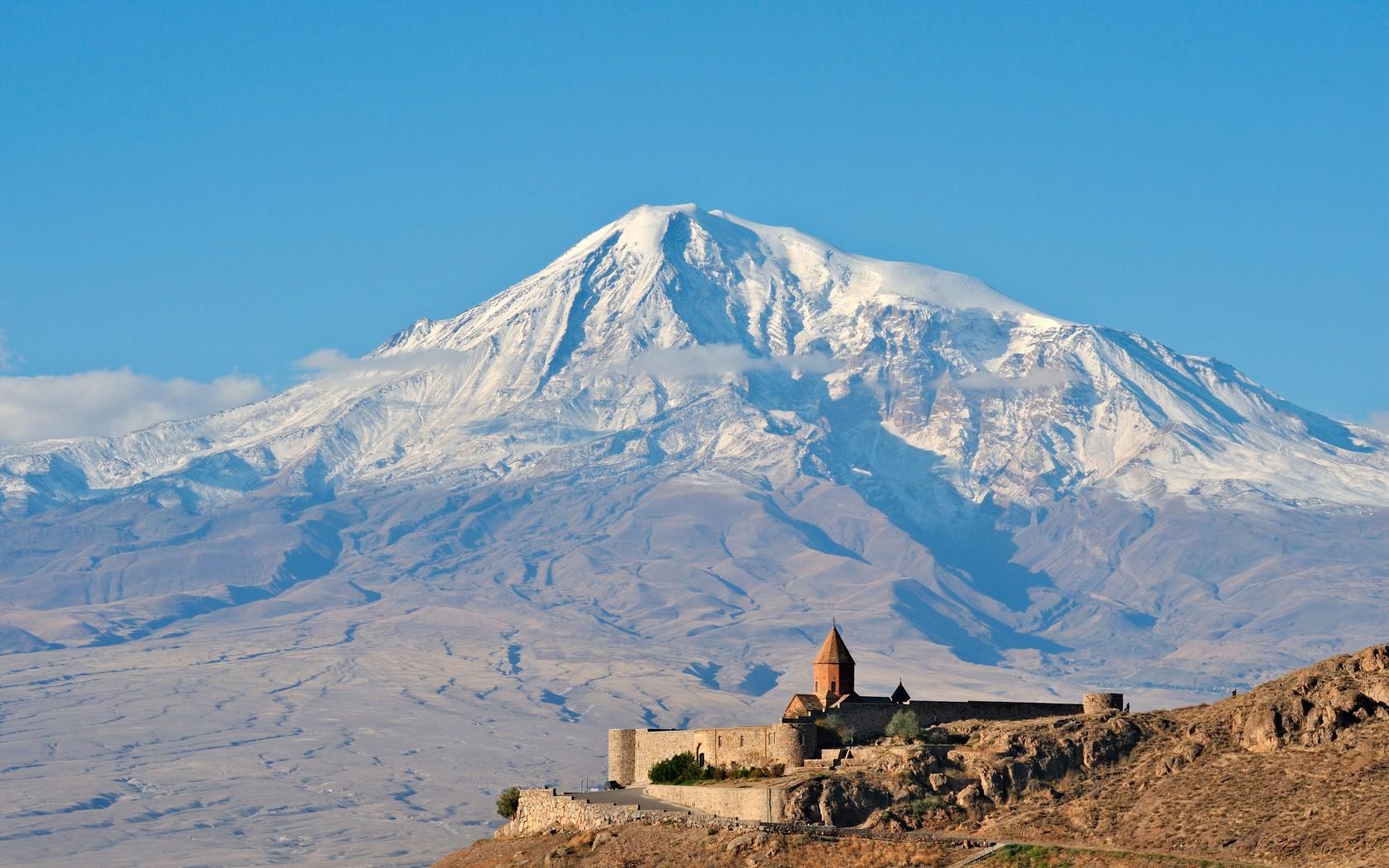 Overs-15.Mt-Ararat-ArmeniaD6421R-1680x1050