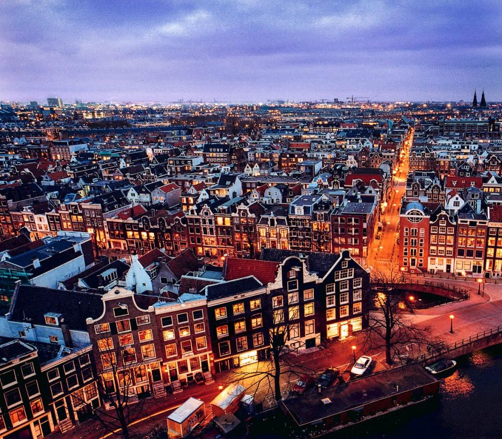 amsterdam-nacht-139667172-1024x896
