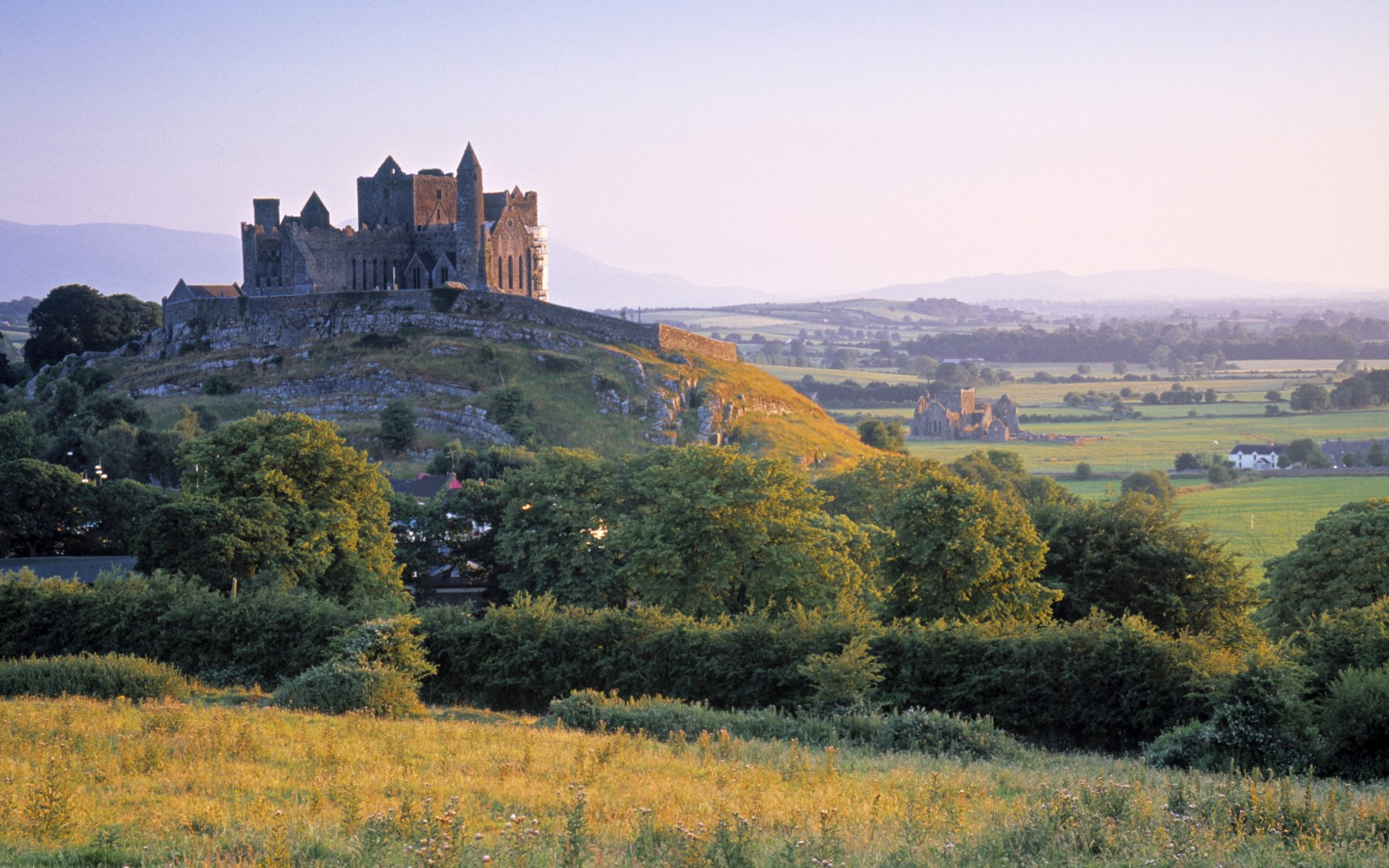 resized-AWL_IE02120RockofCashel-1680x1050